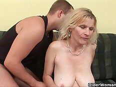 Older mom with tits hairy wet pussy gets huge facial